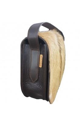 Leather shoulder bag and natural hair