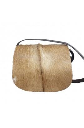 Bolso bandoleira de coiro e pelo natural